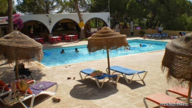 Camping Es Cana