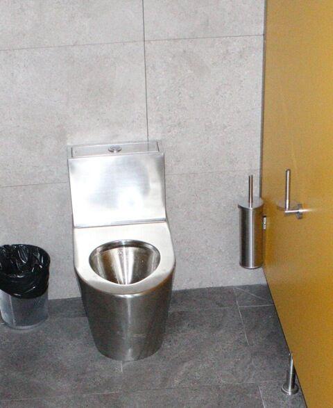 Rozsdamentes WC