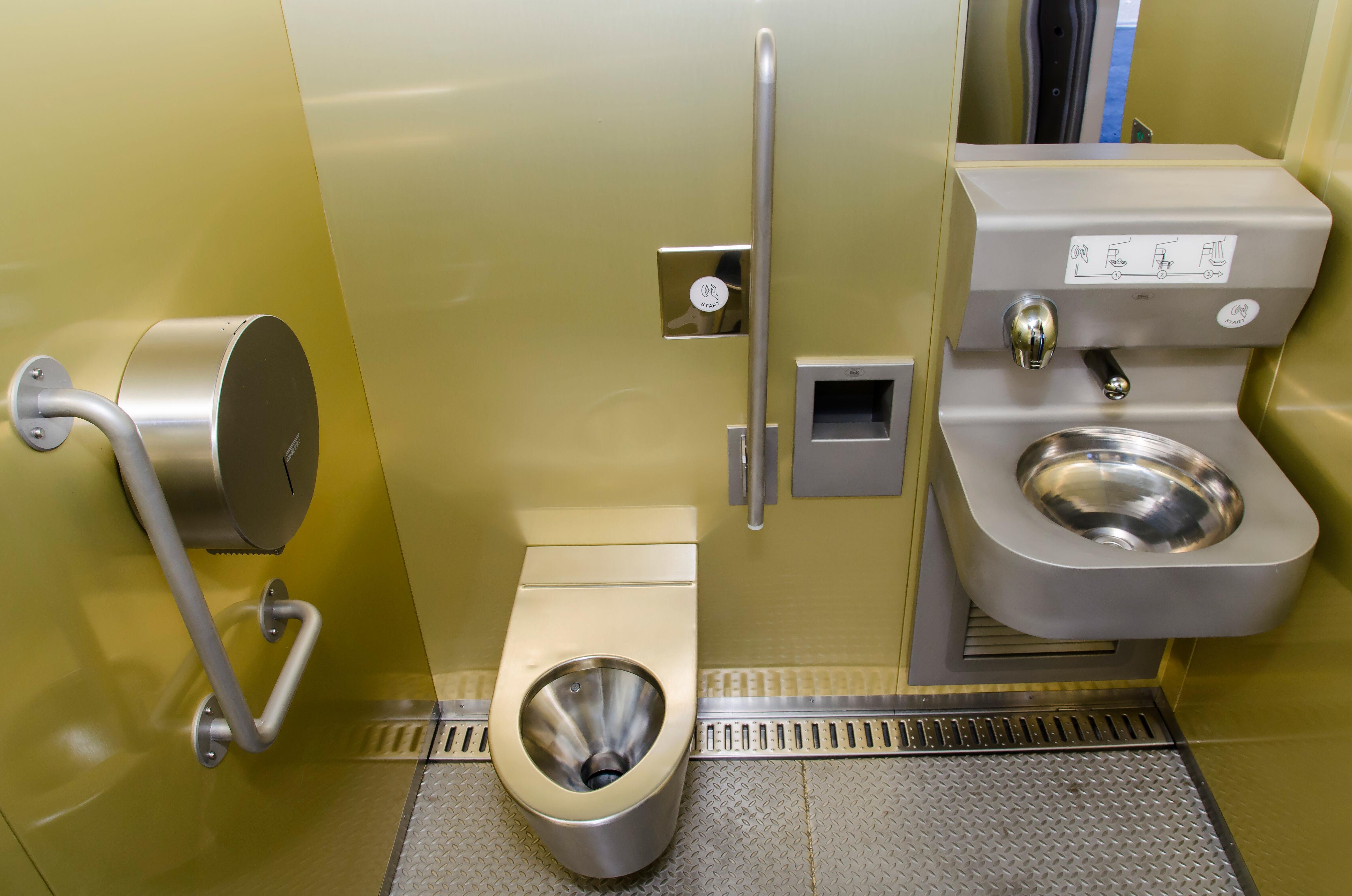 Nyilvános WC kézmosó modul